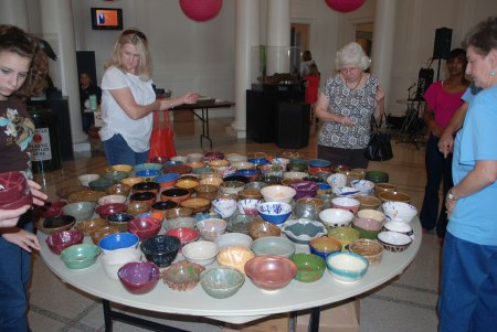 1113empty-bowls-Table-of-bowls